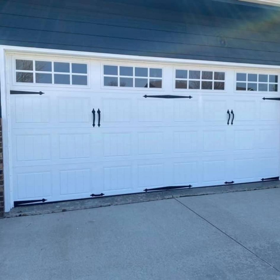 Garage Door Pros Photo