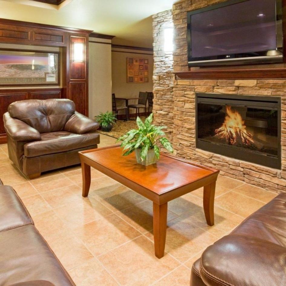 Baymont Inn & Suites/44 North Whiskey Bar Photo